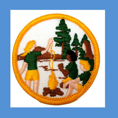 Girl-Scout-FIRST-Non-Earned-Patch-CAMPING-1970s-NEW
